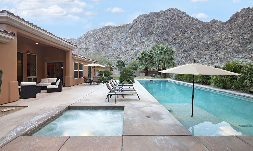 Gilbert Patio Homes with 4 Bedrooms and 2 Baths
